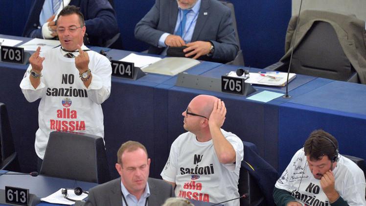 أكثر من ثلث الأوروبيين يعتبرون العقوبات ضد روسيا مضرة بتسوية الأزمة الأوكرانية