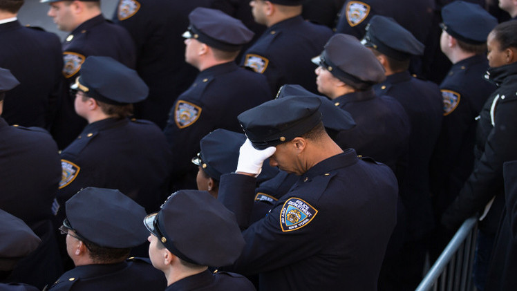 رئيس شرطة نيويورك يندد بـ