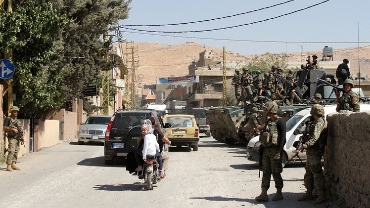 الجيش اللبناني يفرق محتجين قرب عرسال