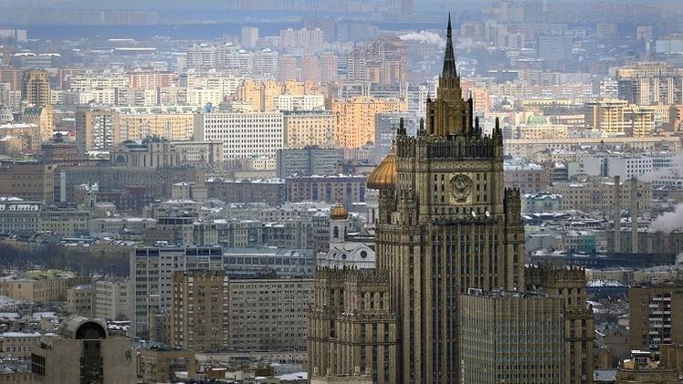 موسكو: تصريح بوروشينكو بشأن إمكانية فرض الأحكام العرفية في الدونباس يعيق الحوار