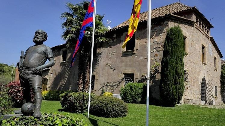المحكمة الرياضية ترفض طعن برشلونة بقرار حرمانه من التعاقدات