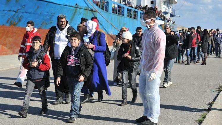 البحرية الإيطالية تنقذ 700 مهاجر أغلبهم سوريون