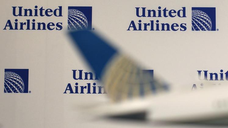شركة يونايتد ايرلاينز للخطوط الجوية الأمريكية ترفع دعوى ضد مهندس
