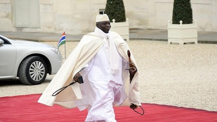 الرئيس الغامبي يعود بعد ساعات من محاولة انقلاب فاشلة على حكمه