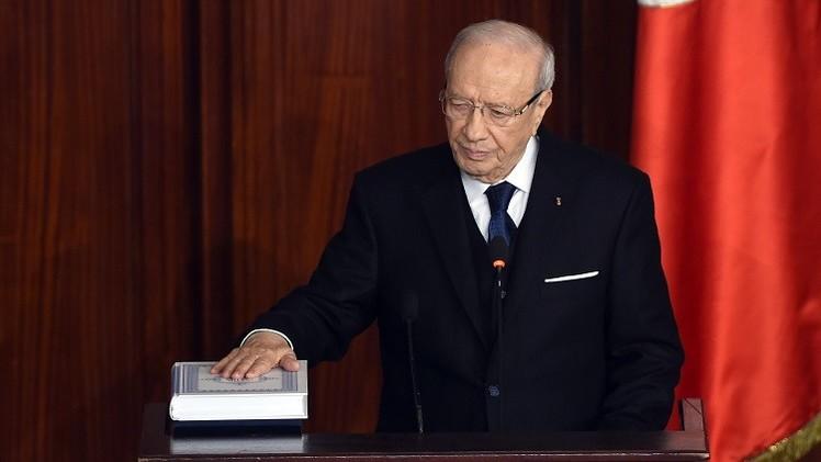 الرئيس التونسي الباجي قائد السبسي يؤدي اليمين الدستورية