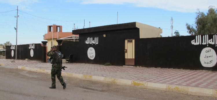 سوريا.. تجدد الاشتباكات في محيط مطار دير الزور العسكري