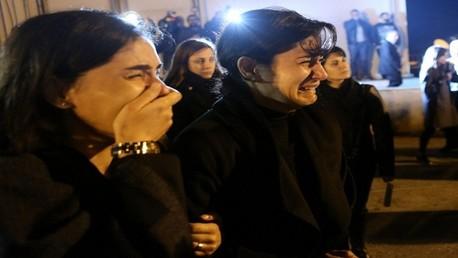عائلات لبنانية أثناء استقبال الجثامين