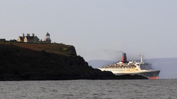 فقدان 8 أشخاص بغرق سفينة شحن قرب اسكتلندا