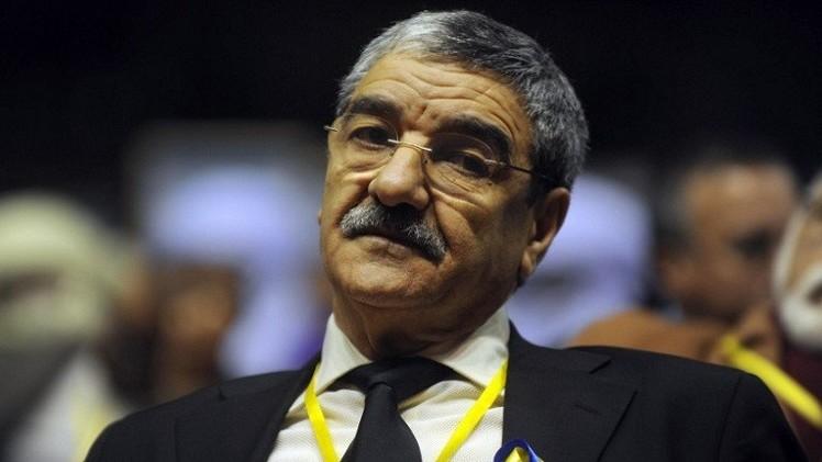 القضاء الجزائري يفتح تحقيقا ضد معارض سياسي