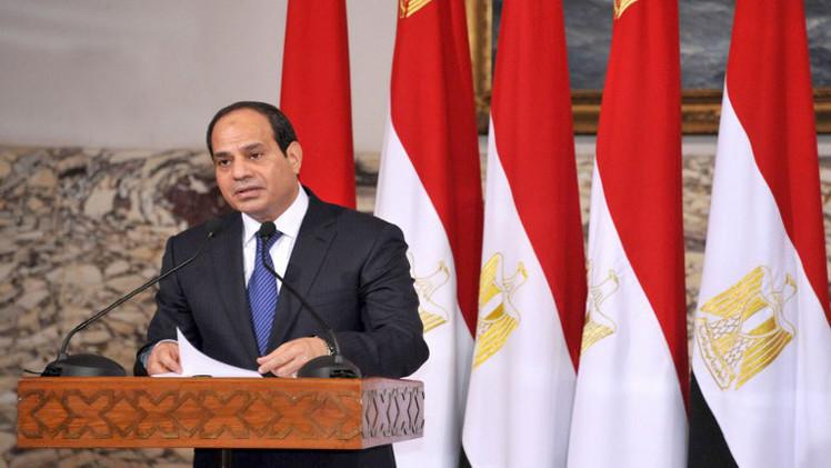 الرئيس المصري يصل للكويت