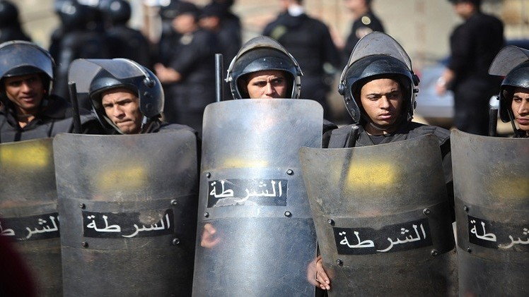 مقتل شرطيين يحرسان كنيسة عشية عيد الميلاد في مصر