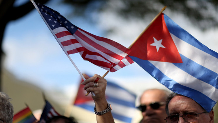 أعضاء في الكونغرس يسعون لإلغاء قوانين تقييد السفر إلى كوبا