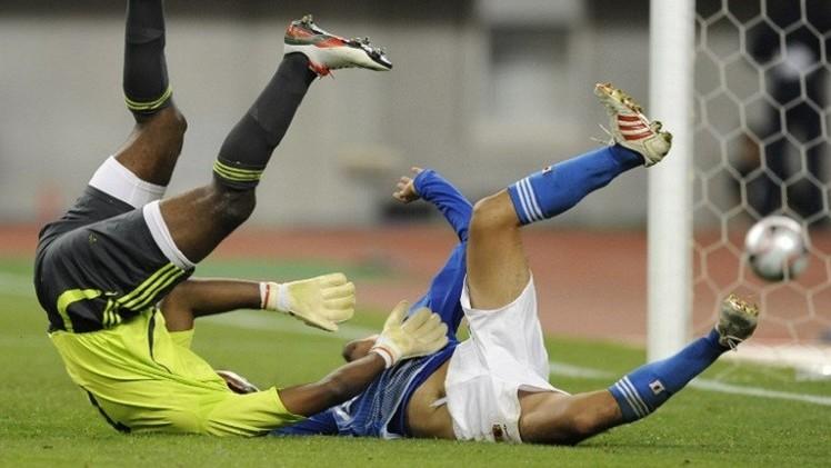 الإمارات تلعب بالنار في كأس آسيا بضم حارسها ماجد ناصر المثير للمشاكل