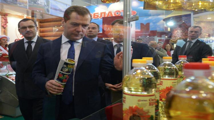 مدفيديف يوعز بكبح ارتفاع أسعار الأغذية في السوق الروسية