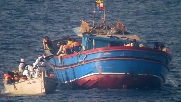 البحرية الإيطالية تنقذ 373 مهاجرا انطلقوا من ليبيا