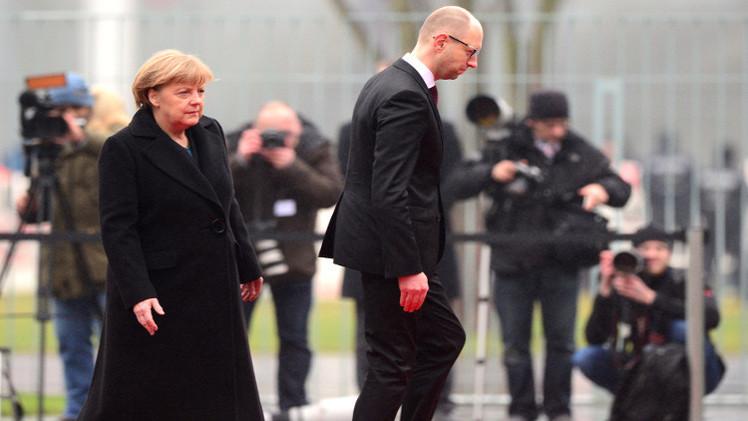 موسكو تطالب برلين بتوضيح موقفها من تصريح ياتسينيوك حول