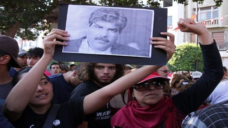 تونس.. توقيف مسؤول أمني سابق متورط بقضية اغتيال محمد البراهمي