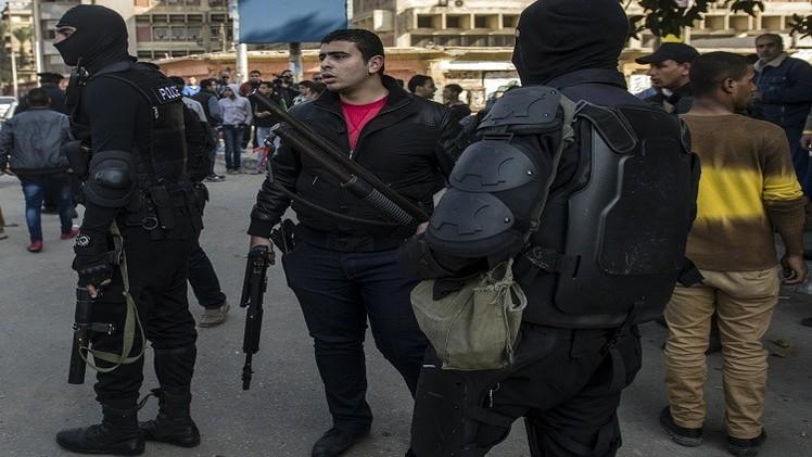 إصابة 11 من رجال الشرطة في هجومين بالقاهرة