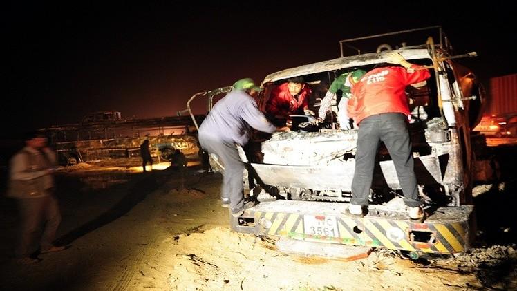 نحو 60 قتيلا في اصطدام حافة بصهريج جنوب باكستان