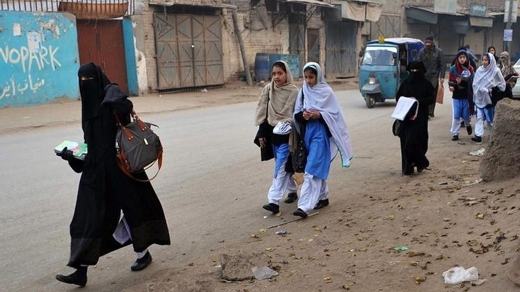 مدارس بيشاور تعيد فتح أبوابها بعد هجوم ديسمبر الدموي (فيديو)