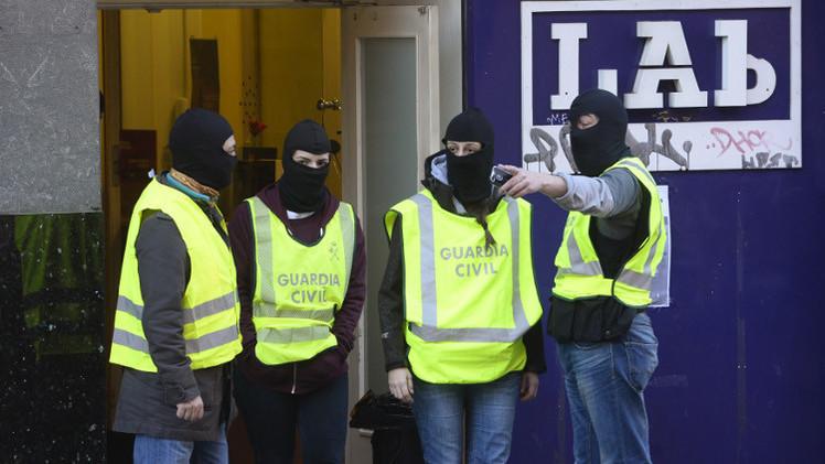 القبض على 16 من أنصار منظمة إيتا الإرهابية في إسبانيا