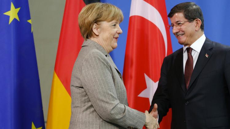 رئيس الوزراء التركي: لا يجب ربط الإرهاب مع الإسلام