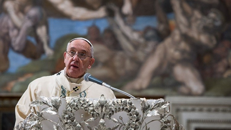 الفاتيكان ينفي أنباء عن تخطيط