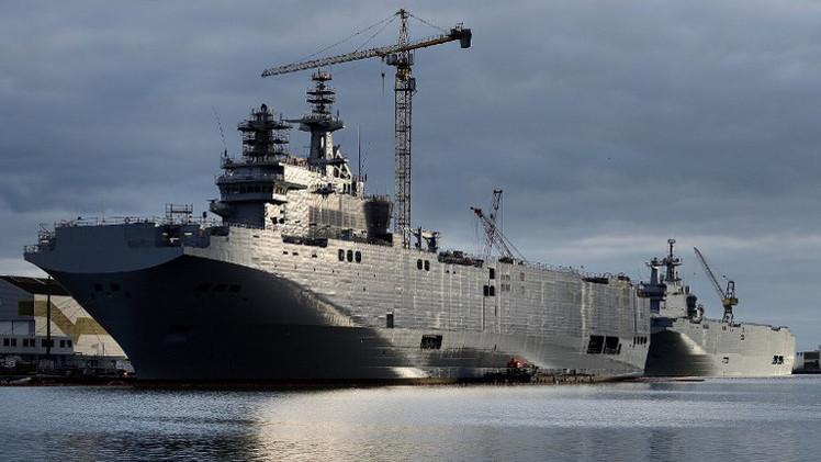 روسيا تطلب من فرنسا توضيح سبب عدم تسليم حاملة المروحيات