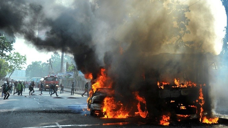 7 ركاب قضوا حرقا في هجوم على حافلة ببنغلادش
