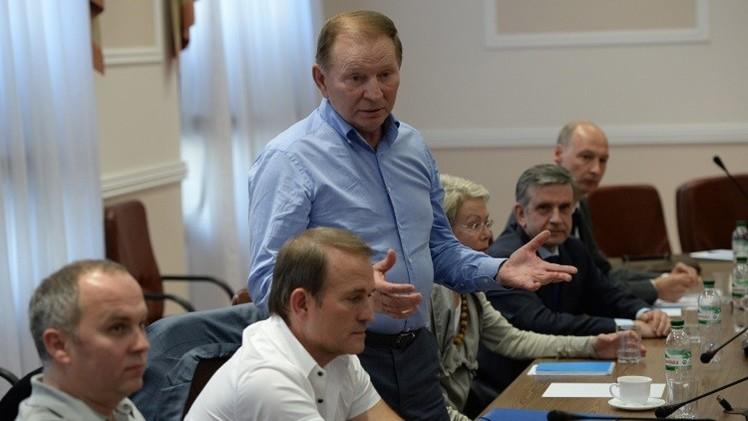 بوروشينكو وميركل وهولاند يؤكدون أهمية عقد لقاء لمجموعة الاتصال حول أوكرانيا