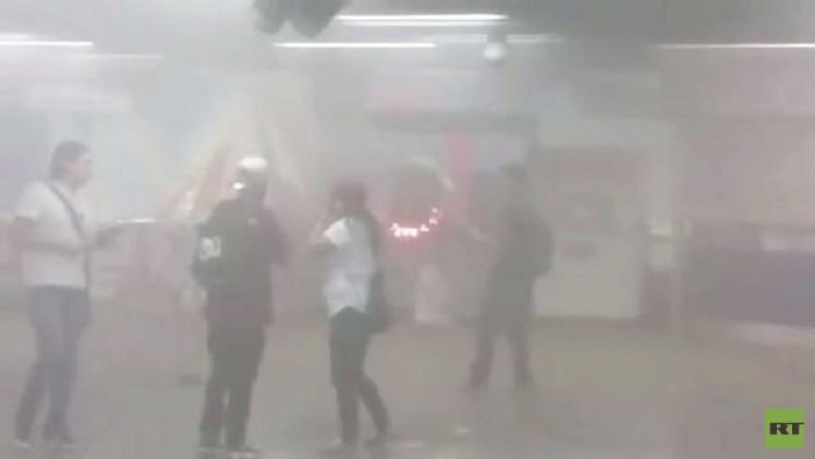 انفجار يهز محطة لمترو الأنفاق في سانتياغو (فيديو)