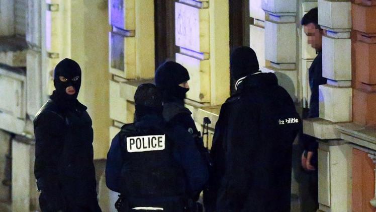 بلجيكا توقف أربعة متشددين متجهين الى سوريا