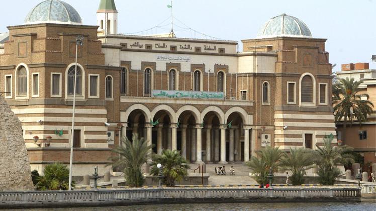 مركزي ليبيا يقترح خفض البعثات الدبلوماسية والدراسية لسد عجز الموازنة