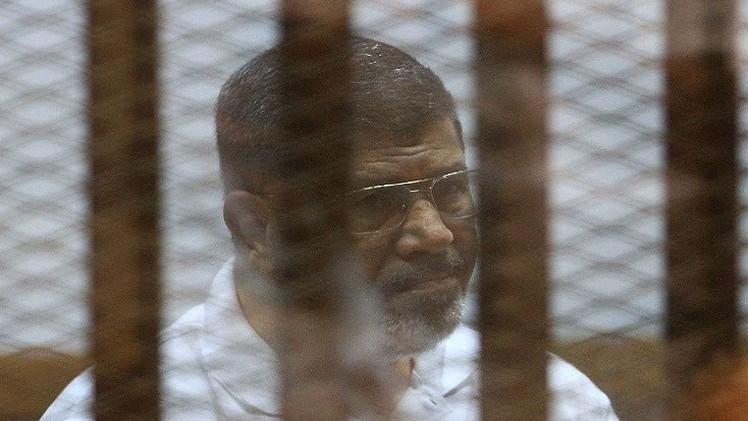 مرسي خلال محاكمته: ما قام به السيسي هو انقلاب