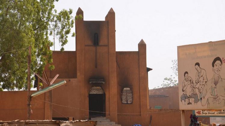شرطة النيجر: إحراق 45 كنيسة خلال مظاهرات ضد