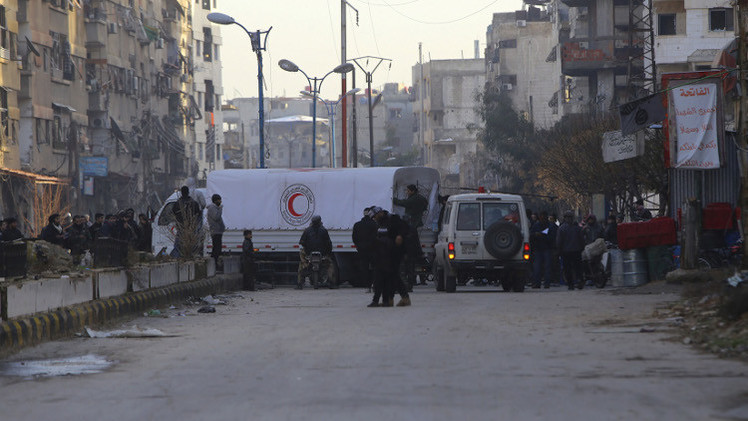الجيش السوري يؤمن خروج أكثر من ألفي مواطن لجأوا في ريف دمشق