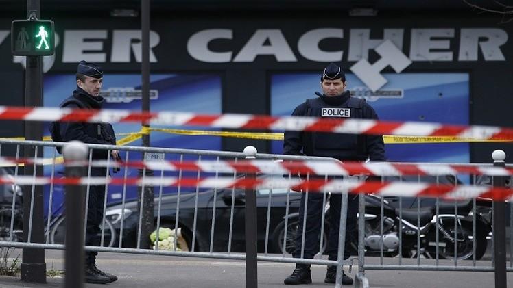التحقيق مع 4 متهمين من أصل 12 معتقلا على خلفية هجمات باريس