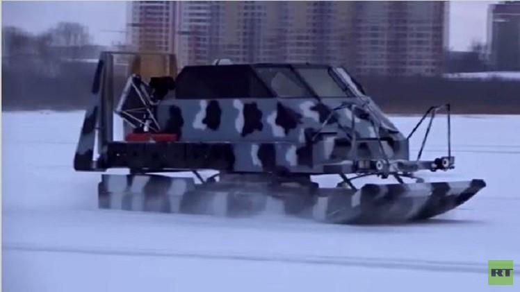 بالفيديو من روسيا.. مركبات غير قابلة للغرق تحت الجليد
