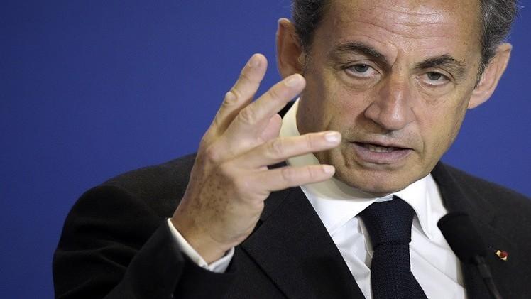 ساركوزي يقترح إعادة ساعات العمل الإضافي للشرطة والاستخبارات