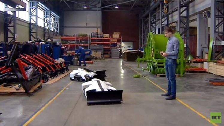 بالفيديو من روسيا.. روبوت للتخلص من الثلوج يعمل بالهاتف أو الحاسوب اللوحي