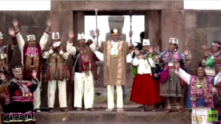 بالفيديو من بوليفيا.. شاهد حفل تتويج الرئيس إيفو موراليس من السكان الأصليين