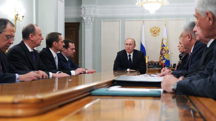 بوتين يحمل السلطات الأوكرانية مسؤولية قتل الناس في شرق البلاد