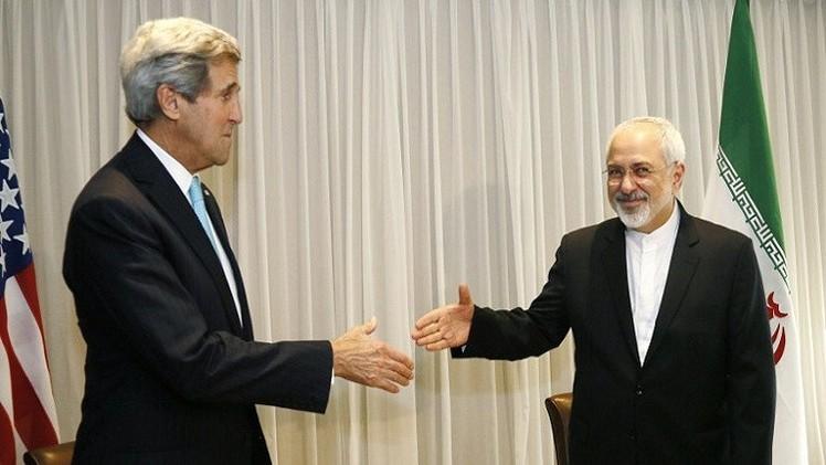النووي الإيراني.. مباحثات بين كيري وظريف على هامش منتدى دافوس