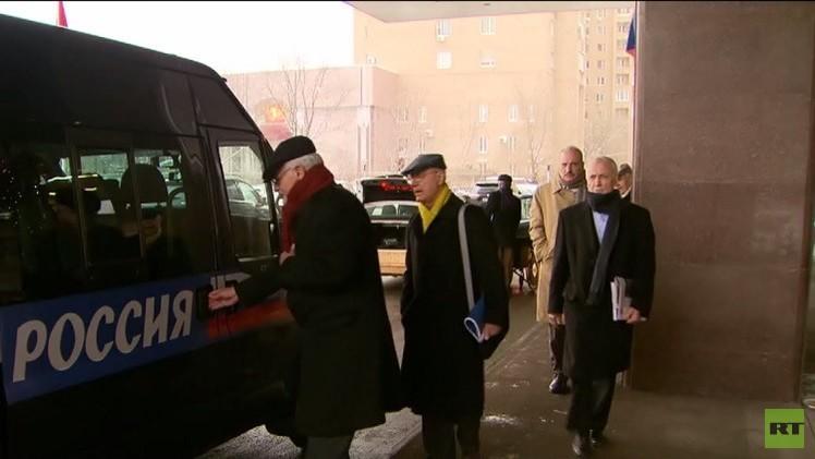 لافروف: لقاء موسكو ساحة نقاش بين السوريين وينبغي أن يقود إلى مفاوضات برعاية أممية