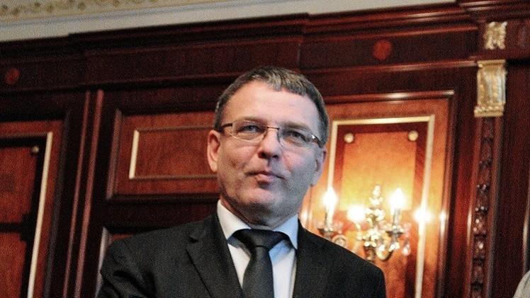 خلاف بين رئيس التشيك ووزير خارجيته بخصوص