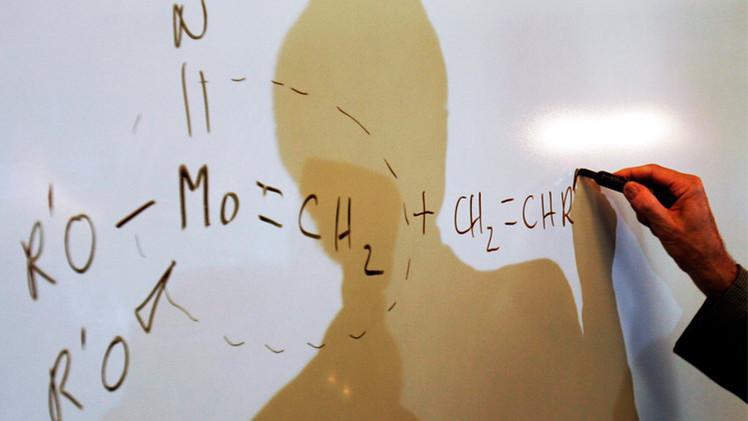 وفاة عالم الكيمياء الفرنسي إيف شوفين