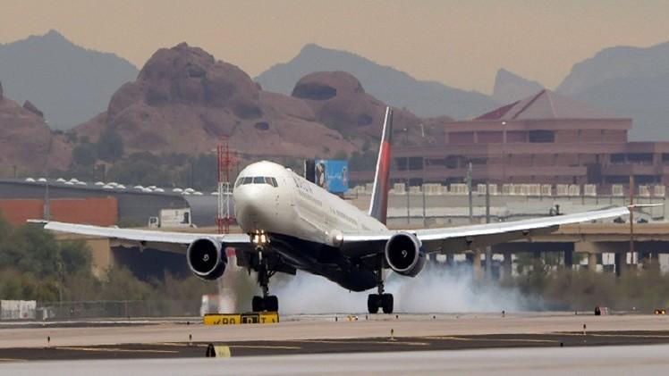 طائرة أمريكية تقل 160 راكبا تهبط اضطراريا بدون طيار