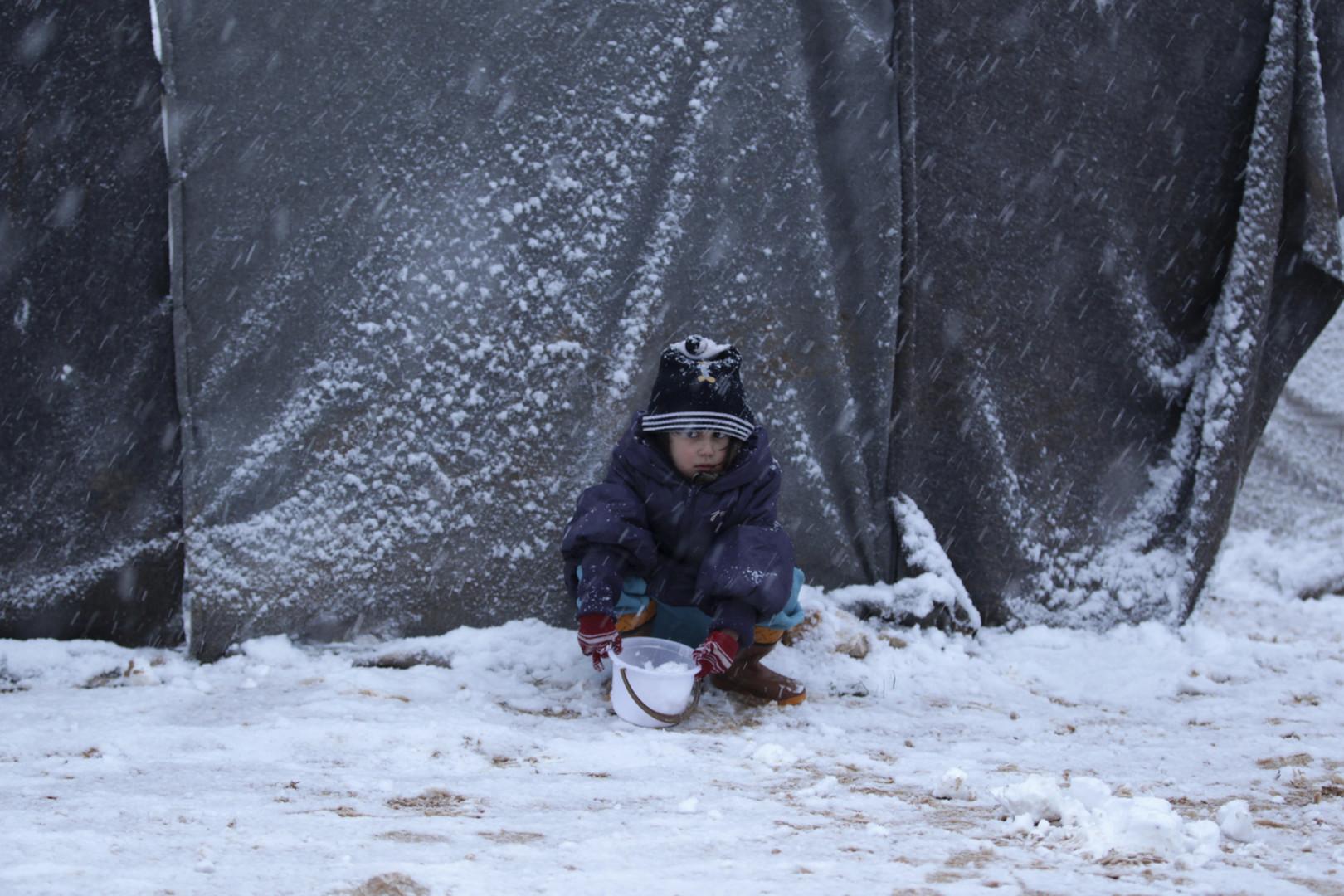 مفوضية اللاجئين.. نزر يسير لشتاء عسير