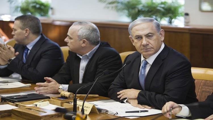 إسرائيل تدعو لتفكيك السلطة الفلسطينية وعزل عباس