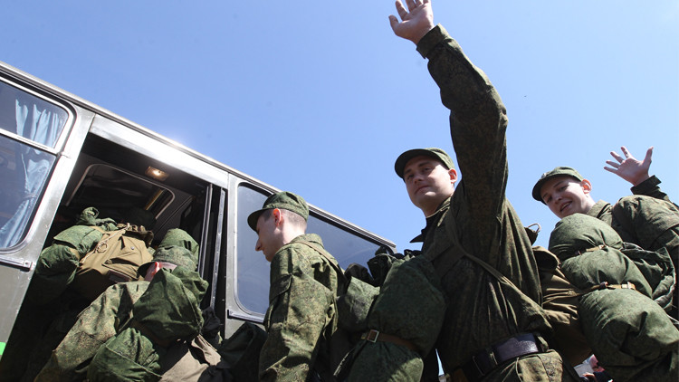 بوتين يمنح الأجانب حق الخدمة في الجيش الروسي